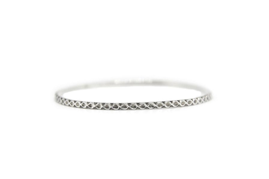 Oval Chain Stamped Bangle
