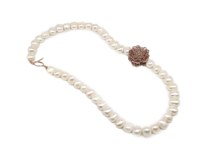 Rose Gold Grandmother Flower With Pearl String