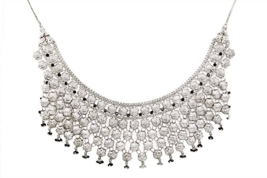 Yasmeen Heavy Necklace With Black Glass Bead