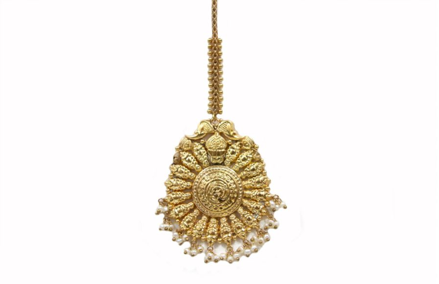 Yasmeen Tikka With Hanging Pearls Gold Plated