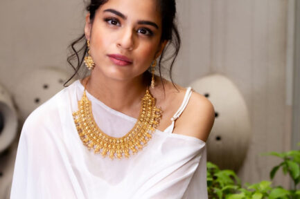 Yasmeen Triple Layer With Pearls Gold Plated