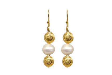 Pearl With Carved Beads Gold Plated